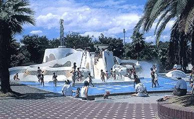 水遊びが楽しめるじゃぶじゃぶ池、公園、プール(西猪名公園のウォーターランド)