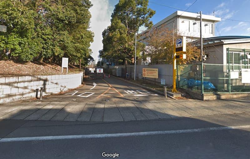 大泉緑地公園の東臨時駐車場の入り口